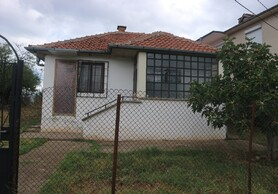 We offer one-storey house located in the village of Tankovo -1523