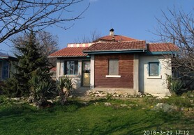 Detached house with yard just 6 km from the sea!
